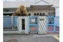 【幼稚園・保育園】西東京市立ひばりが丘保育園 保育園まで徒歩5分。子育て世帯の強い味方ですね。 約380m