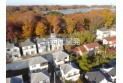 【外観】上空から見た現地と周辺の街並と環境/背後には多摩湖とそれを囲む緑が広がります。見事な紅葉も見所です。