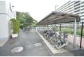 【設備】雨の日も助かる屋根付きの駐輪場です。