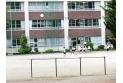 【小学校】第八小学校 約290m