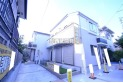 【外観】販売現地全体/奥が1号棟、手前が2号棟、全2棟の新築住宅!「青梅街道」駅徒歩6分の駅近好立地!