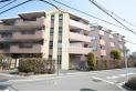 【外観】閑静な住宅地に佇む重厚感のあるタイル張りマンション