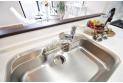 【設備】使いやすいシングルレバー混合水栓を採用、浄水器内蔵でさらに便利!