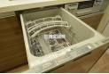 【設備】面倒な後片付けの強い味方、食器洗浄乾燥機を標準装備!食後の団欒の時間を創ってくれる優れもの!