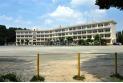 【小学校】若狭小学校 約450m