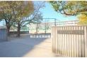 【中学校】第四中学校 約1,300m