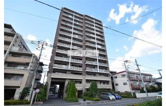 【外観】地上15階建てのマンションです。