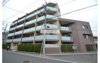 【外観】地上五階建て低層のマンションです
