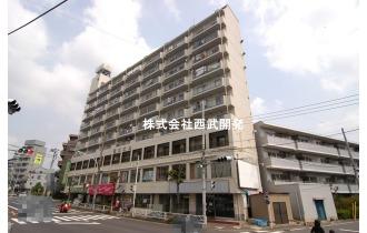 【外観】現地外観です。西武新宿線「久米川」駅徒歩3分の便利な立地のマンションです!