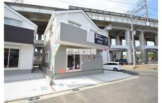 【外観】平成30年5月6日撮影 陽当良好な東南角地の住宅!