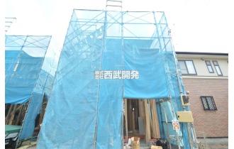 【外観】販売現地/只今暑さにも負けず一生懸命建築中!