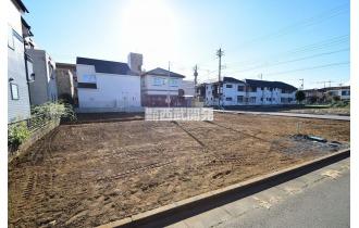 【外観】【建築中】いまは更地ですが、数ヵ月後には新しい家が建つ予定です。楽しみですね!