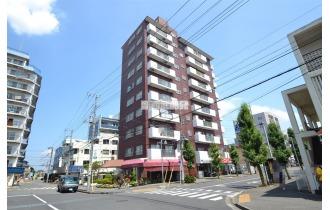 【外観】南大塚駅まで徒歩1分。通勤通学に便利な「駅近」